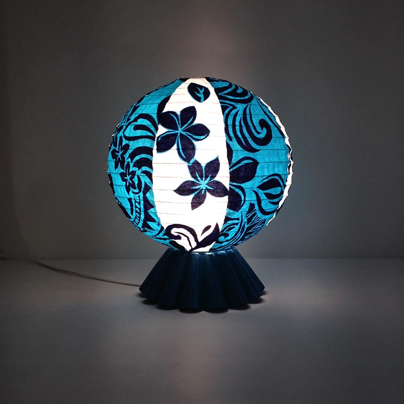 lampe objet détrourné moule à gateau wax Eva Garçon artiste plasticienne chez Eva Célia & Rosalie Aubignan centre artistique et saveurs Vaucluse art bien-être